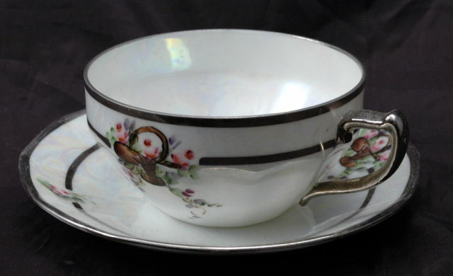 Hertel Jacob Rehau Bavaria Germany  Luster Tea Cup & Saucer