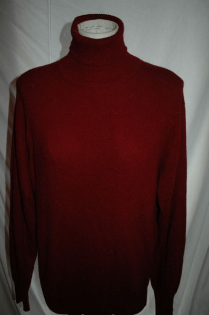 Hamilton of  Scotland  Cashmere Sweater  Turtle Neck Maroon Size L