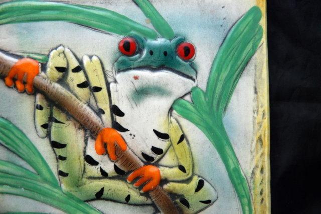 Hand Made in Kona Hawaii  Porclain Frog Tile Trivet '