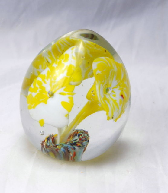 Norcrest Japan Glass Paper Weight Yellow  Lilies