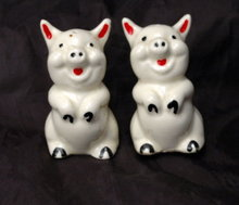 Adorable Figural Pigs Salt Pepper Shakers   Very Old!