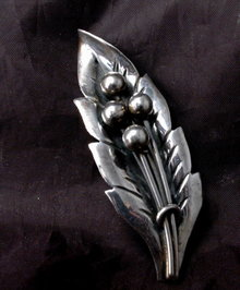 Old Mexico  Sterling  Leaf with Berries Pin Piece  Brooch Hand Crafted Artisan