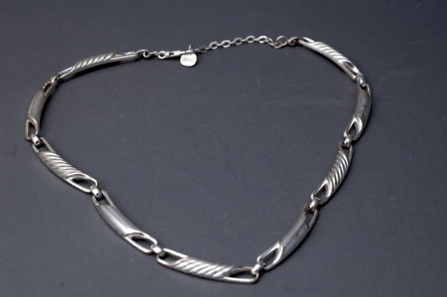 Heavy Sterling Silver Necklace Signed S925  Grosse'