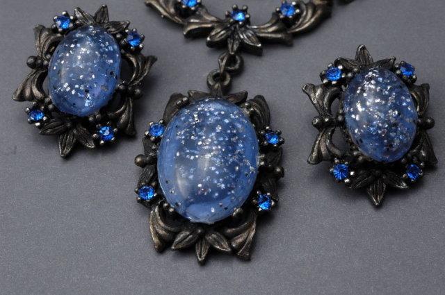 Vintage Blue  Glass Parure  with Silver Metallic  Confetti Flecks  Excellent!