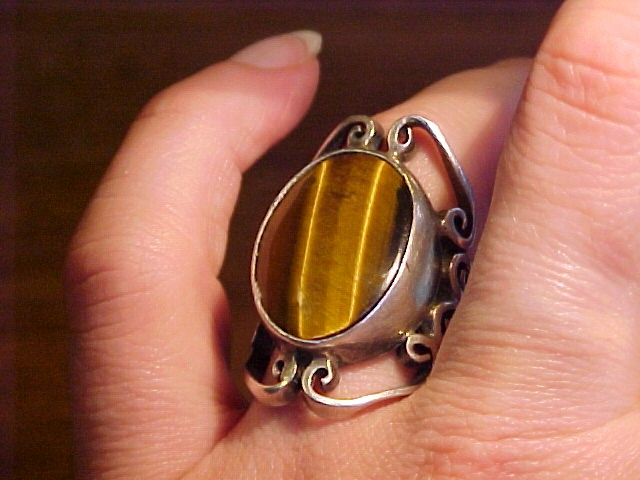 Arte en Plata Old Taxco Silver & Tiger eye Ring