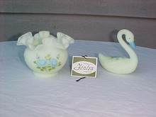 2 items: Fenton Satin Glass Swan & Ruffle Bowl
