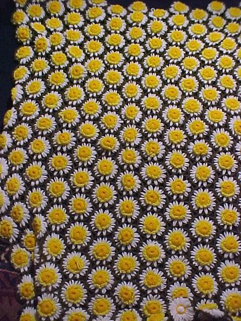 Daisy Afghan or Throw -crochet
