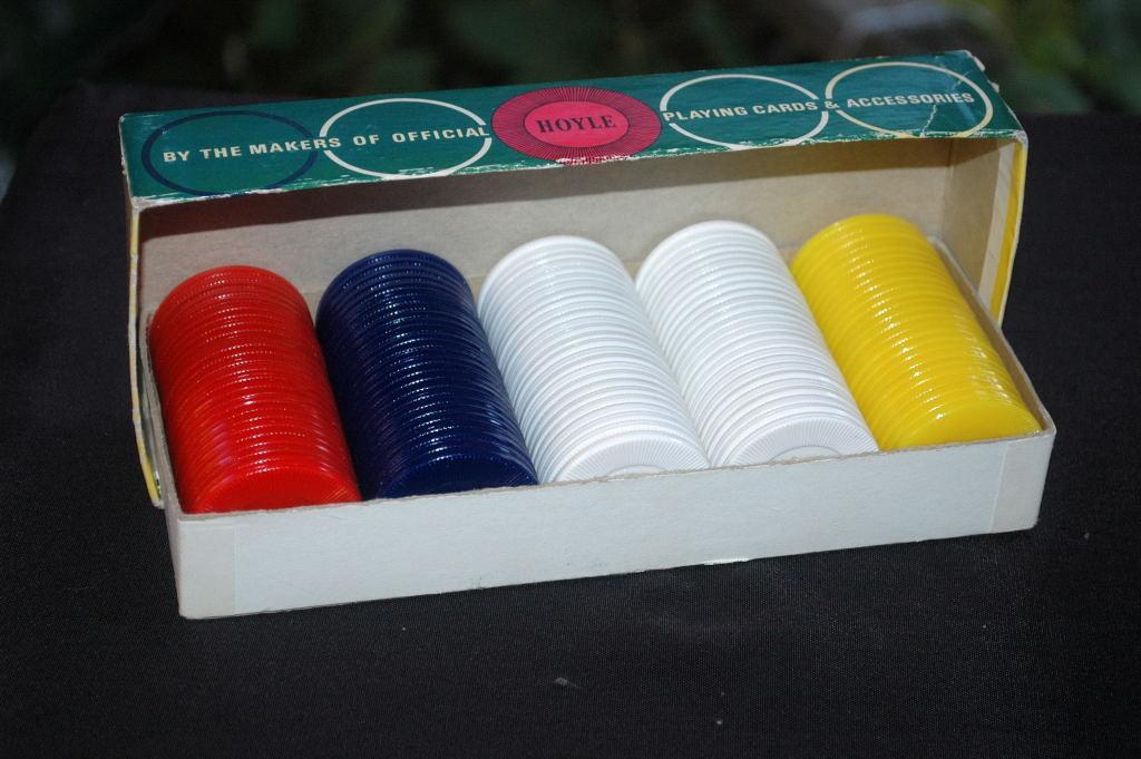 Vintage Plastic Hoyle Poker Chip in Original  Box