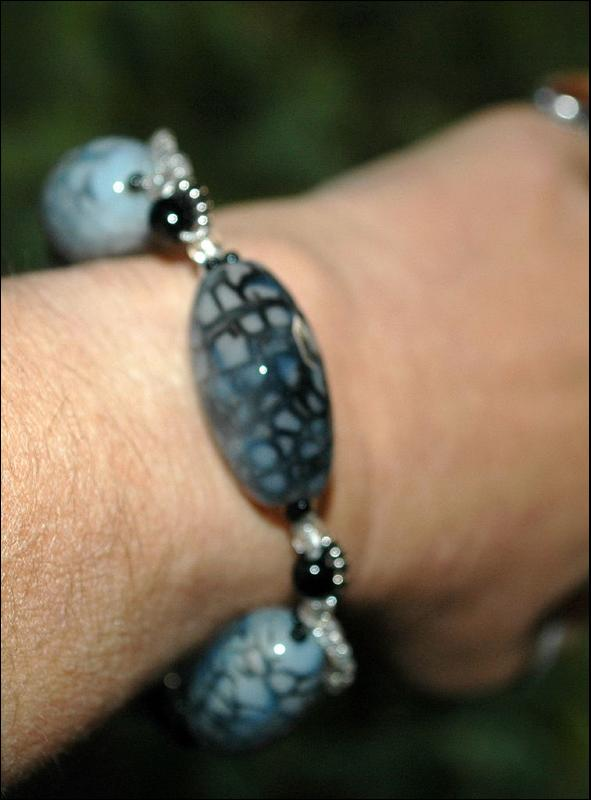 Black Grey Faceted Chunky AgateFire Agate Beads Bracelet   with silver, glass foil & irriescent seed beads twisted snake pattern