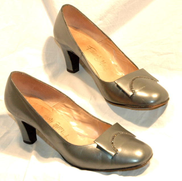 Vint Pewter & R/S Leather  Pumps Frank More 6.5