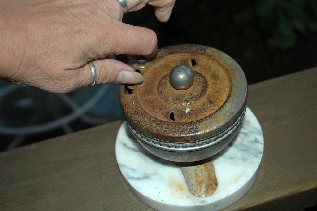 Hammered Aluminum Spool Holder, Line Cutter