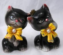 PY , Japan Embellished Kitty Cat Salt Pepper Shakers 1950's   Free Shipping