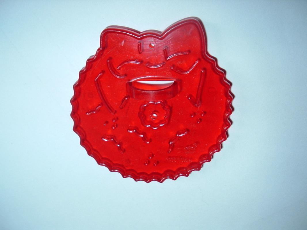 HRM Vintage Red Plastic Cookie Cutter - Christmas  Wreath   Free Shipping