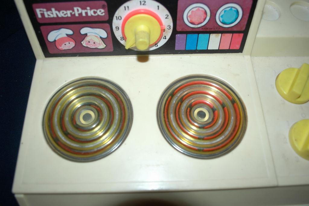GREAT VINTAGE FISHER PRICE STOVE TOP