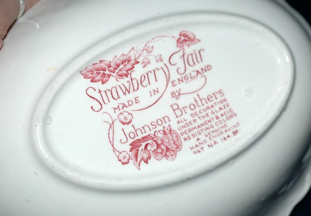 Johnson Bros. Strawberry Fair Oval Vegetable Bowl