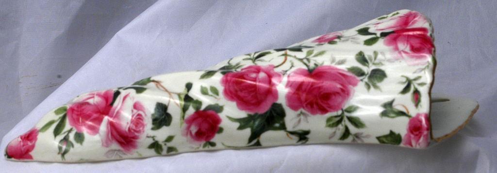 Rose Chinz Wall Pocket