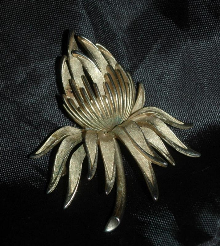 Trifari Gold Protea Flower Brooch   Free Shipping