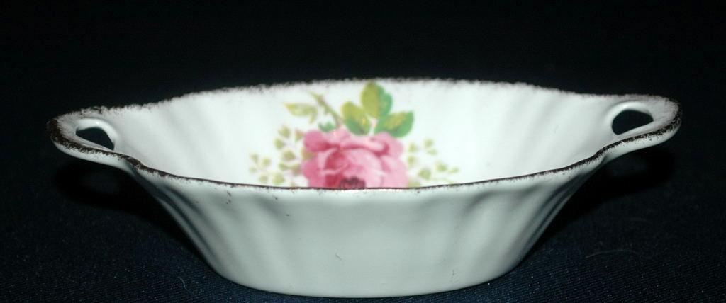 Small Oval Nut Dish Royal Albert American Beauty  Free Shipping