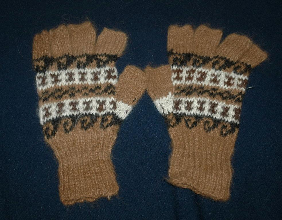100% Baby  Alpaca Gloves, Large size    Free Shipping