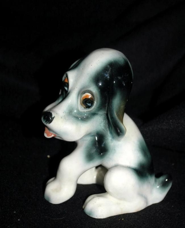 Puppy Dog Figurine, Vintage Made in Japan   T