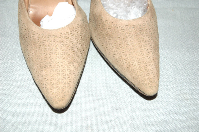 Vintage Beige Pierced Suede Pointy High Heal