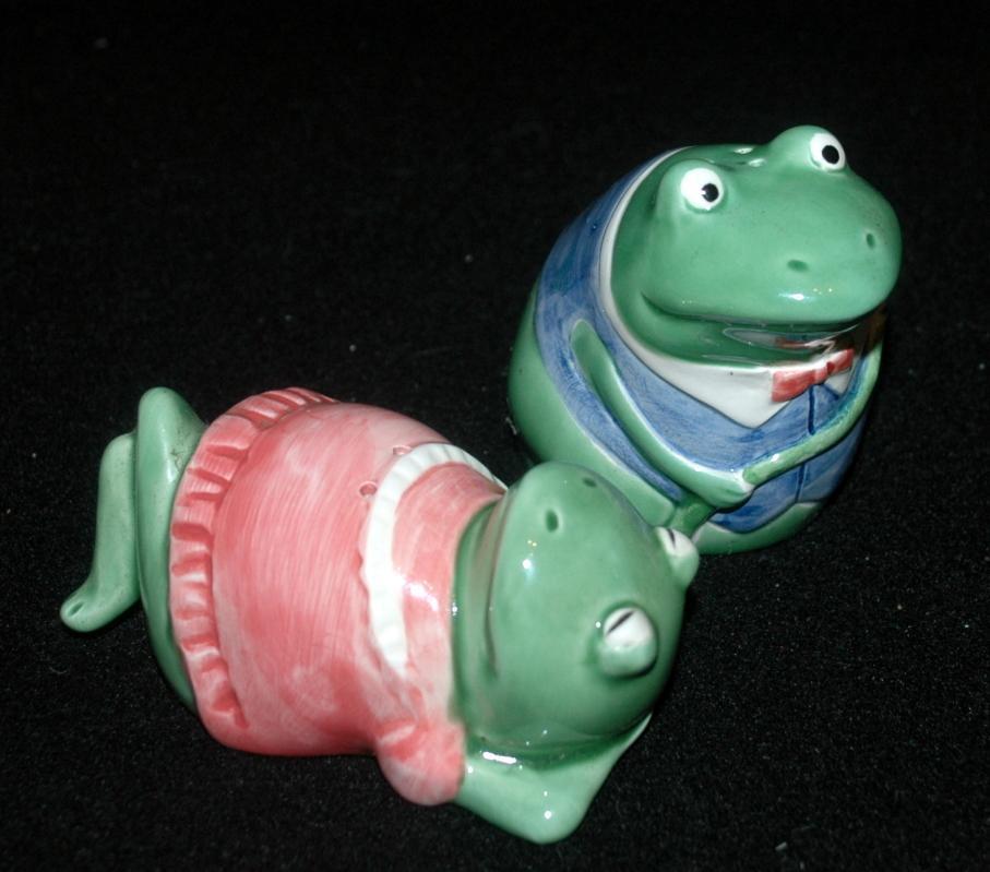 Mary Ann Baker Otagiri Frog Girl & Boy Salt & Pepper Shakers Made in Japan