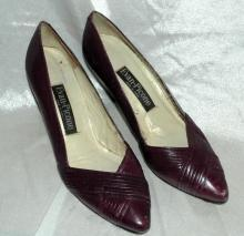 Evan Picone Plum Leather Pump, Heals Ladies Shoe Size 6.5