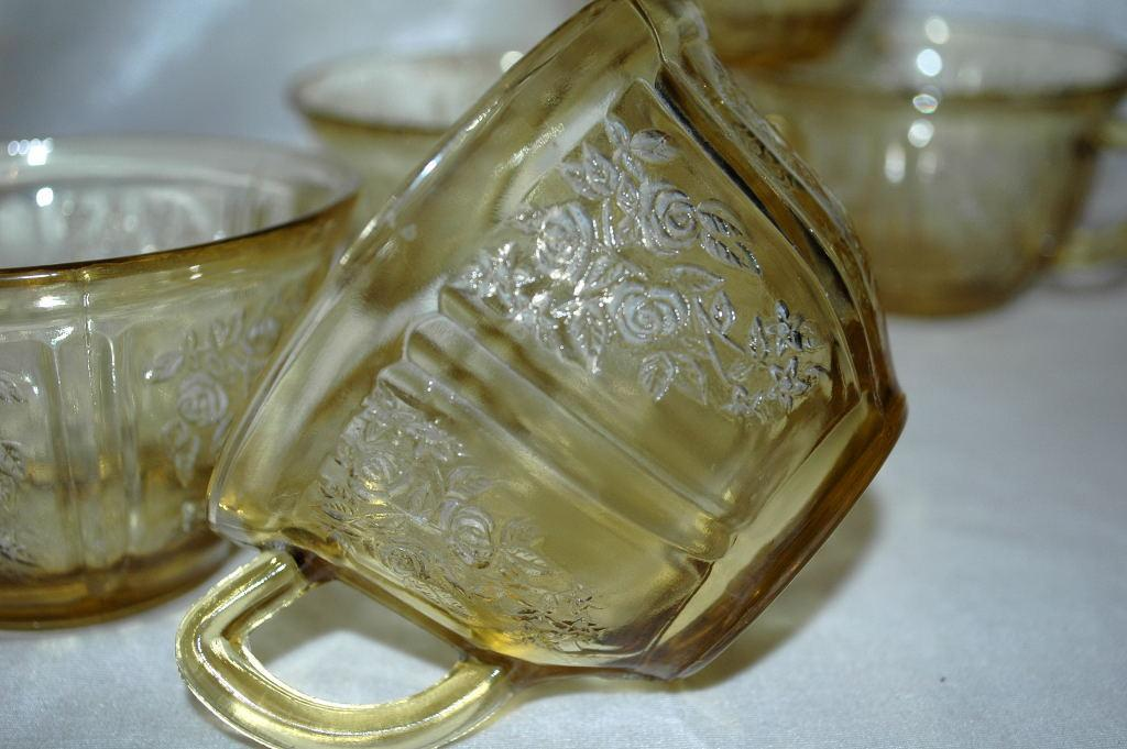 5 AMBER DEPRESSION GLASS CUPS SHARON/CABBAGE ROSE/ Federal Glass Co.