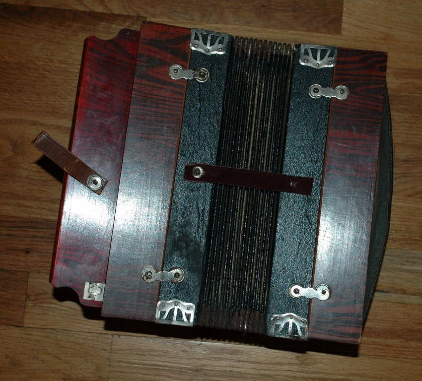 Antique Concertina, Accordion