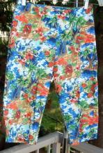 Vintage Hawaiian Capri Pants Ladies Size 9
