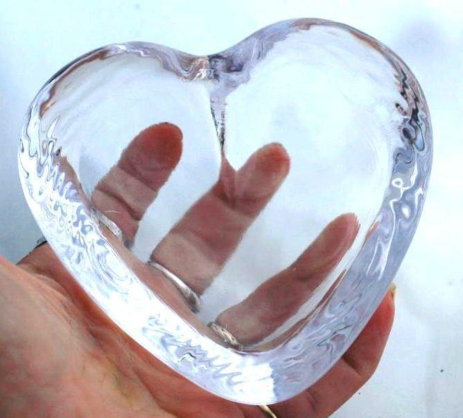 Simon Pearce Highgate Crystal Glass Heart  , Signed