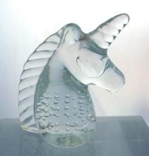 VINTAGE CLEAR ART GLASS UNICORN PAPER WEIGHT