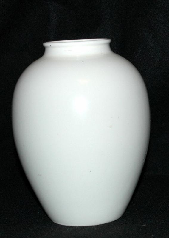 Catalina Pottery Ivory Oil Jar,  Vase