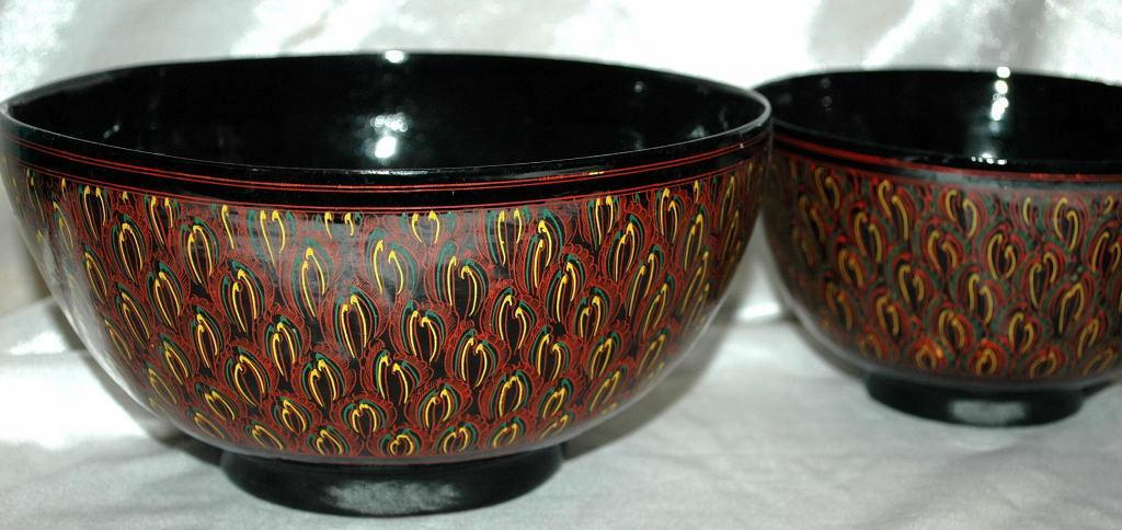 Asian Lacquer-Ware  Bowl 2 nesting set,  Black,  Cinnabar  Hand Painted Feathering
