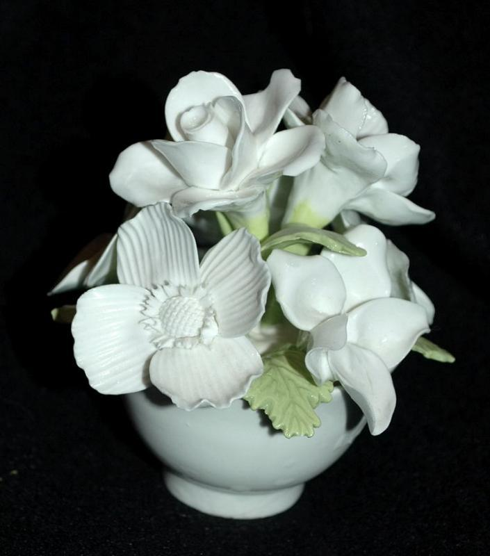 Crown Staffordshire England Fine Bone China White Flower Bouquet in White Pot