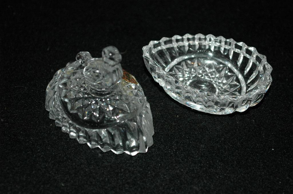 HOFBAUER WEST GERMAN LEAD CRYSTAL BIRD/BYRDES EGG SHAPED TRINKET BOX