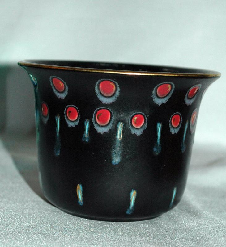 Gouda Pottery Zwaro Black Matte Vase Holland