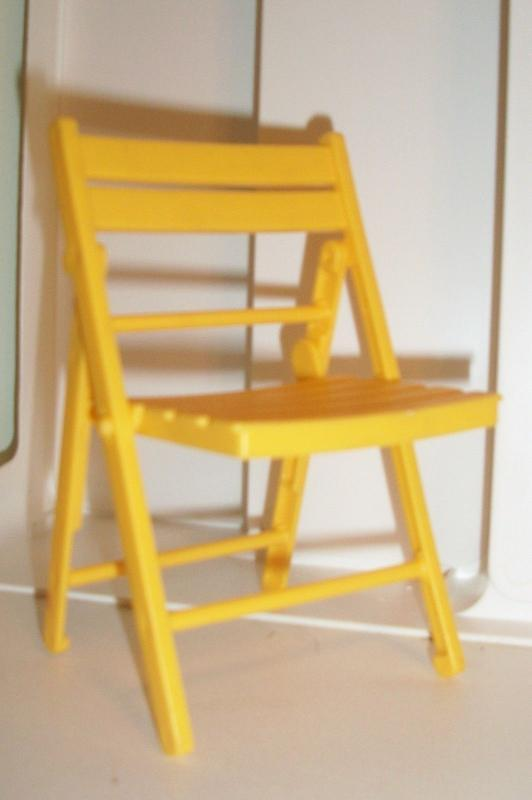 BARBIE Yellow Cafe Folding Chair 1999 Mattel Plastic Outdoor Furniture VINTAGE