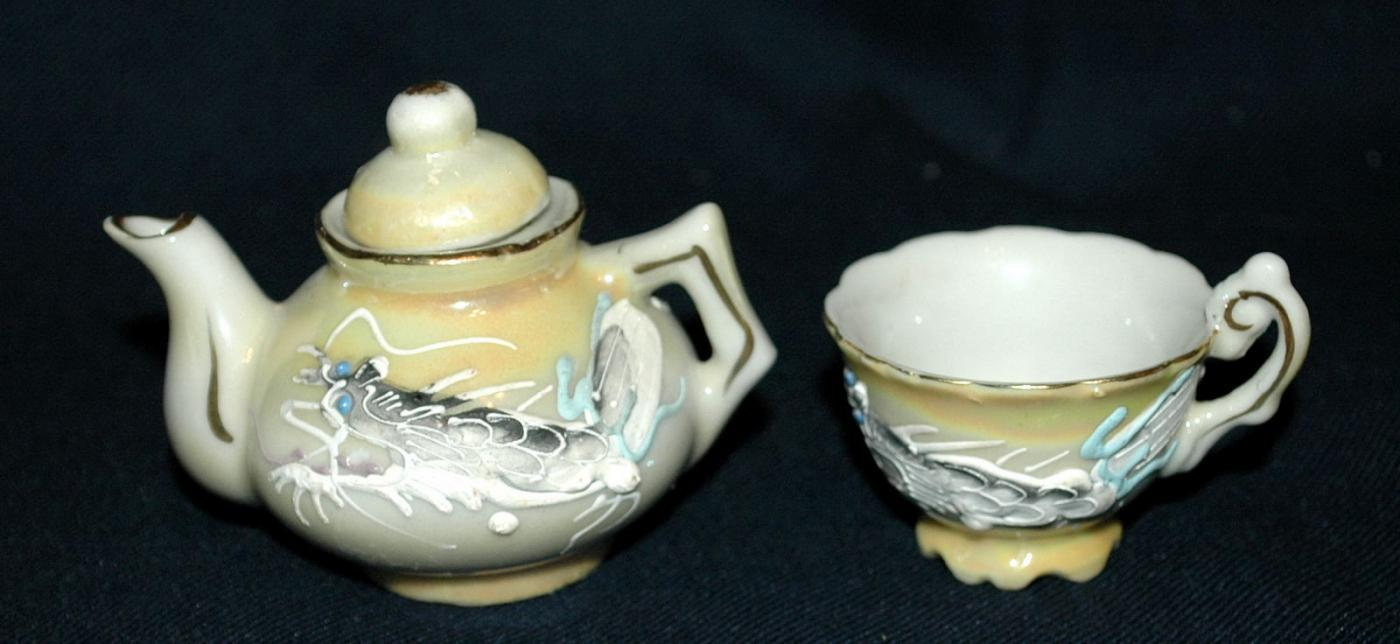 Dragonware Moriage Japanese Childrens Tea Set , Teapot & cup
