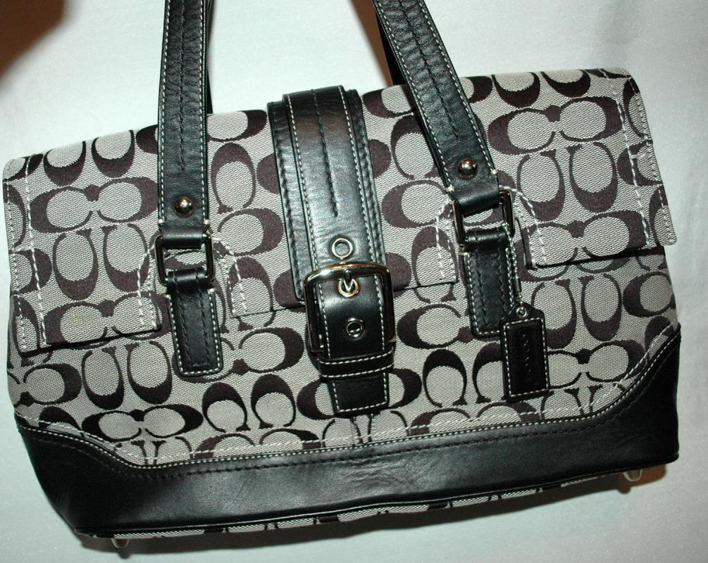 COACH - SIGNATURE STRIPE PURSE  HANDBAG - BLACK AND GRAY