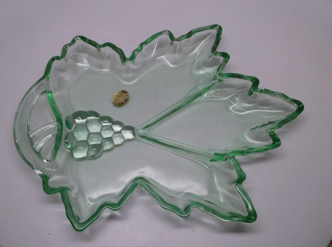Tiara Exclusive Glass Green Grape Leaf Divided Dish