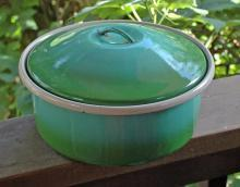 Vintage  Graniteware, Enamelware  Iron Dutch Oven Cooking Pot 8 Qts