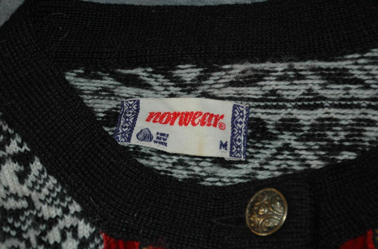 Norwear of Norway Norwegian Knit  Rose Embroidered, Velvet Trim  Cardigan Sweater  Size M