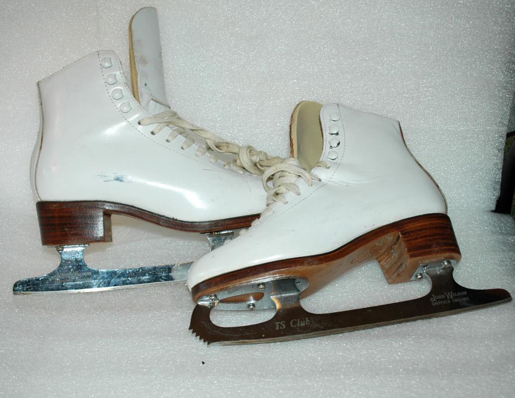Ice Skates Figure Skating Don Jackson/ John Wilson Sheffield Blades  TS Club Sz 4