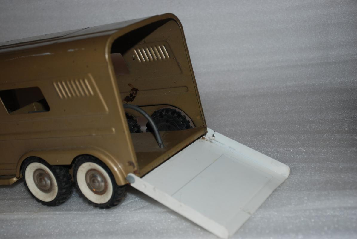 Structo Vista Dome Horse Van Trailer Pressed Steel Vintage 1960s Toy