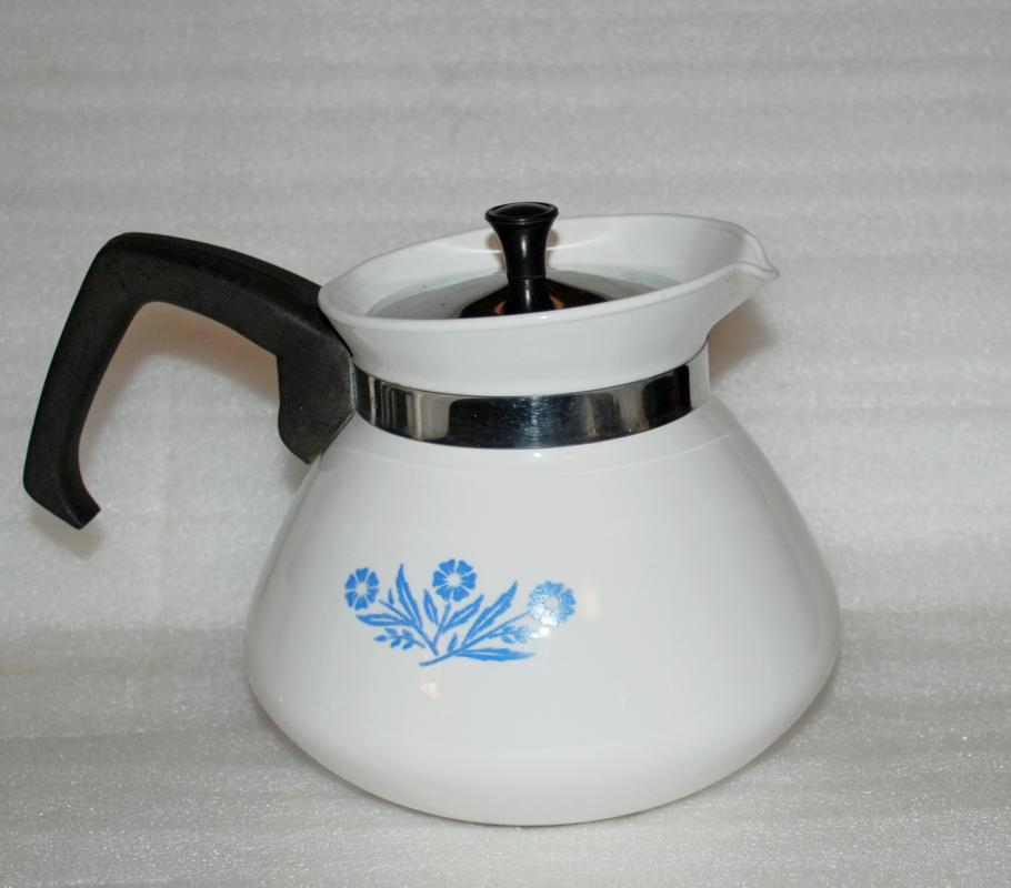 VINTAGE-CORNING-WARE-6-CUP-BLUE-CORNFLOWER-STOVE-TOP-COFFEE-TEA-POT  VINTAGE