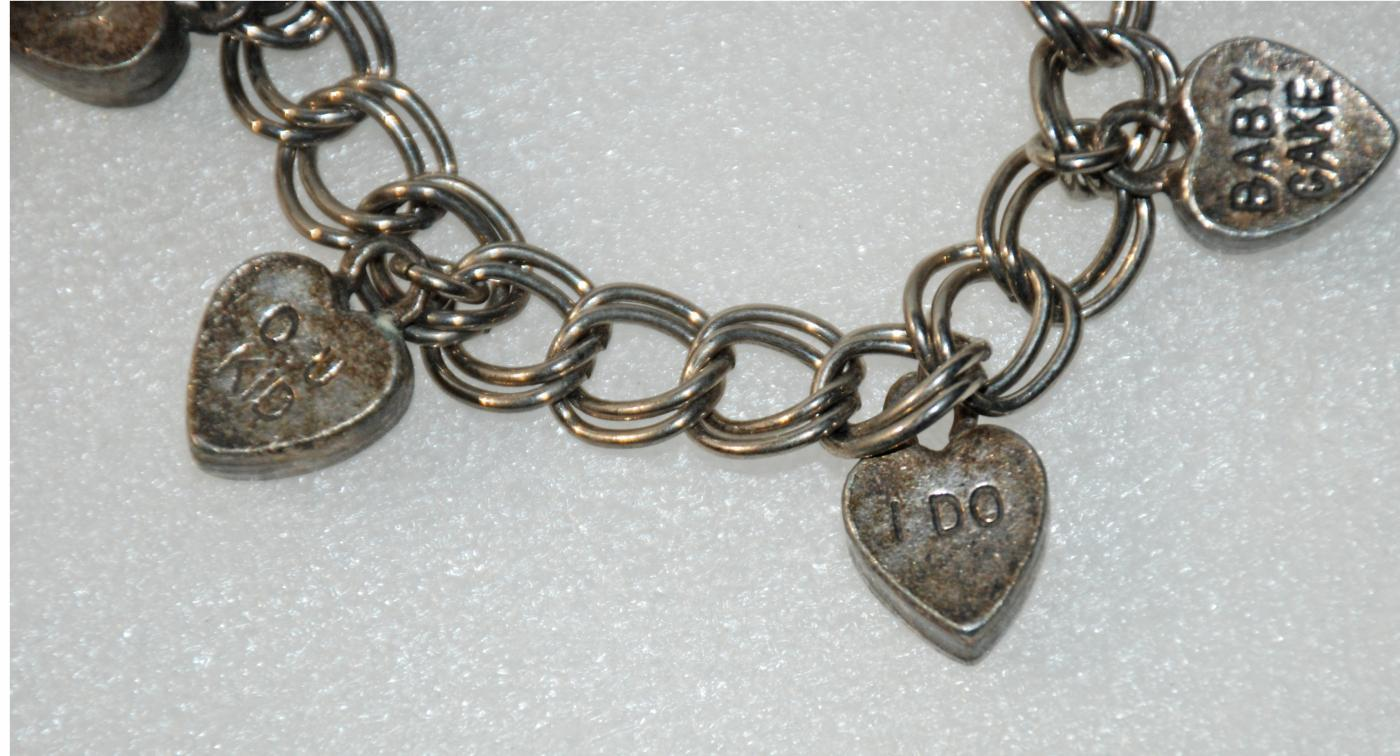 Valentine's Silver Candy Hearts Charm Bracelet Eldorado Club USA International.