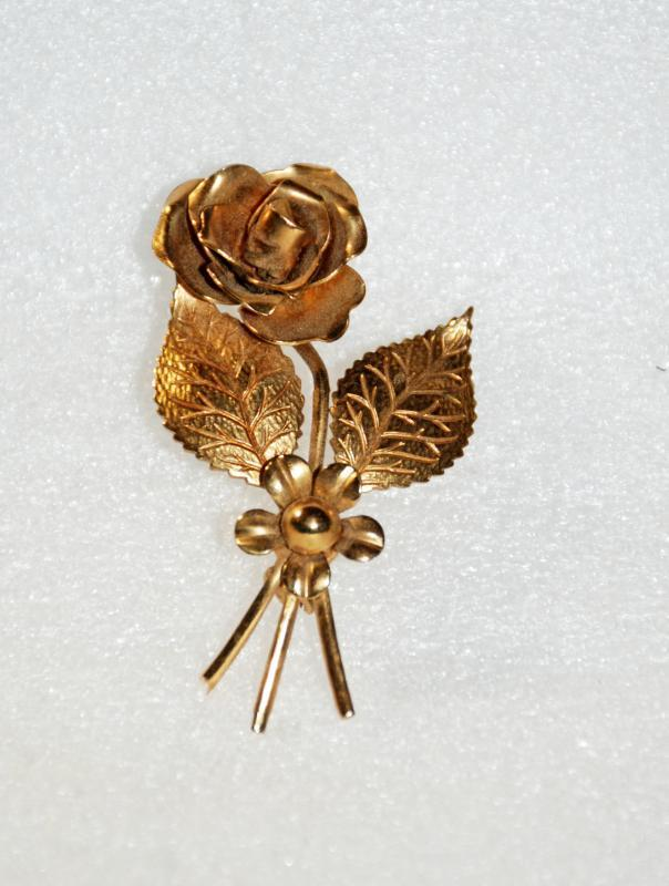 Coro Gold Tone Rose & Flower Brooch Pin