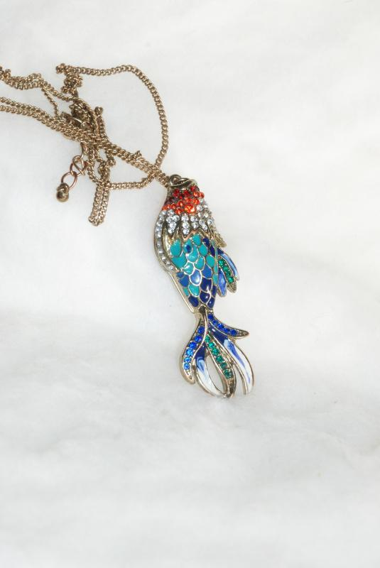 Double Sided Enamel Rhinestone Fish Pendant Necklace Vintage.