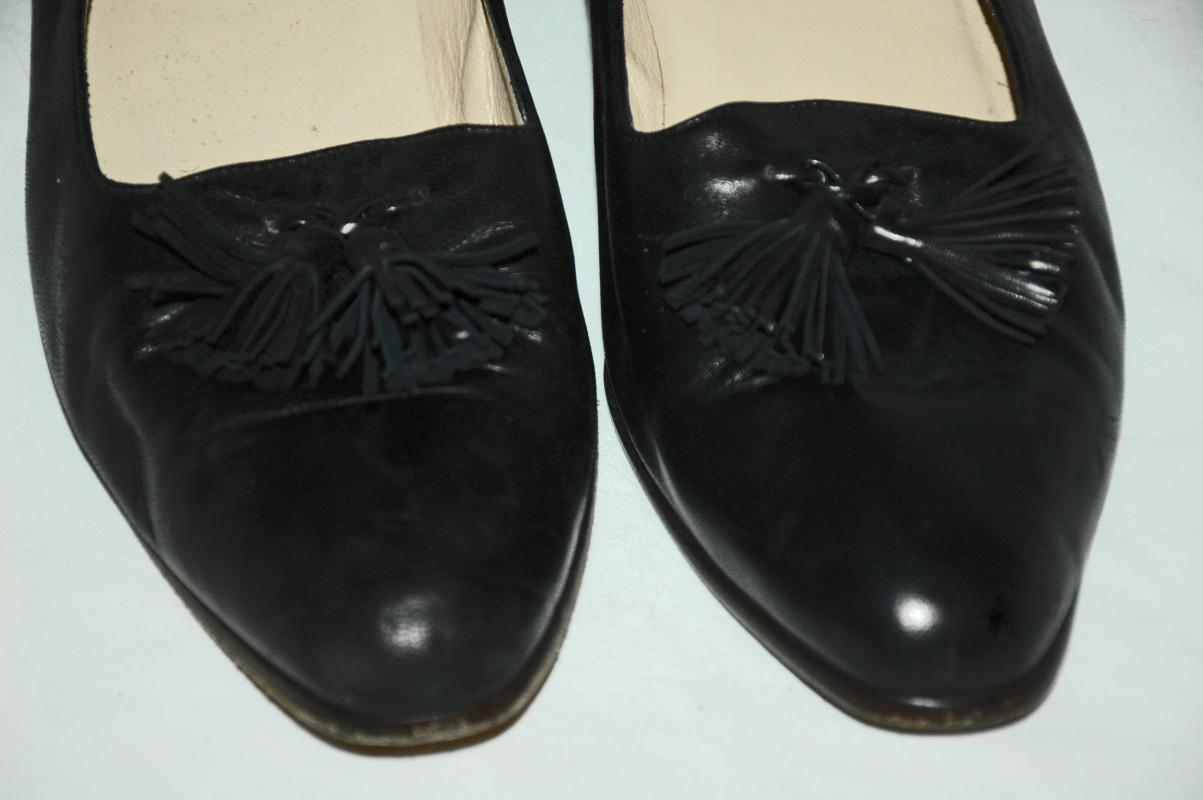 Cole Haan Leather Black Tassel   Loafers, Women size 9.5  B   , Vintage
